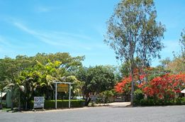 Mareeba Riverside Caravan Park - Accommodation Cairns