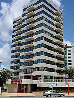 Beachfront Towers - Accommodation Cairns
