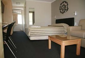 Queensgate Motel - Accommodation Cairns