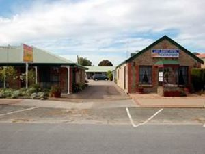 Lake Albert Motel - Accommodation Cairns