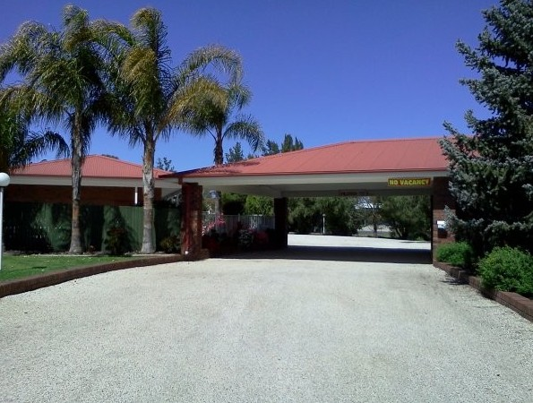 Golden Chain Border Gateway Motel - Accommodation Cairns