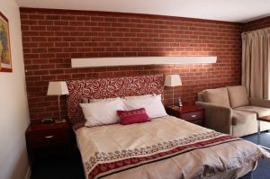 Carnegie Motor Inn and Serviced Apartments - Accommodation Cairns