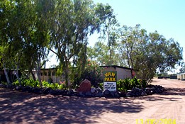 Threeways Roadhouse Tourist Park - Accommodation Cairns