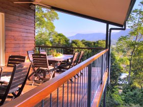 Kookas Bed and Breakfast - Accommodation Cairns