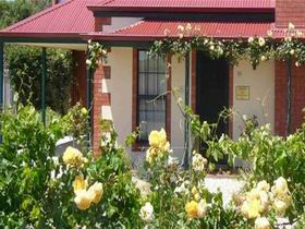 Wine And Roses Bed And Breakfast - Accommodation Cairns