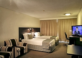 St Ives Hotel - Accommodation Cairns