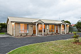 Leisureville Holiday Villas - Accommodation Cairns
