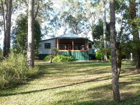 Bushland Cottages and Lodge - Accommodation Cairns
