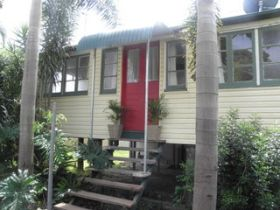 The Red Ginger Bungalow - Accommodation Cairns