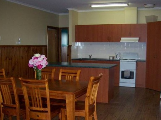 Riverland Holiday Cottage