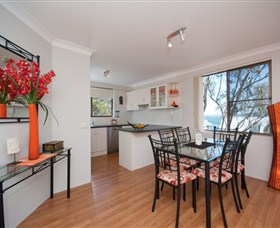 Magnus Street Treetops - Accommodation Cairns