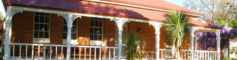 Araluen Old Courthouse Bed and Breakfast - Accommodation Cairns