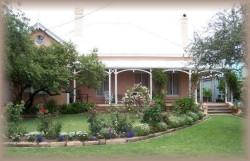 Guy House Bed and Breakfast - Accommodation Cairns