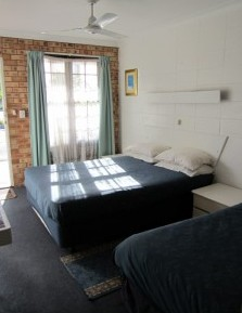 Surf Street Motel - Accommodation Cairns