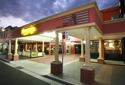The Commodore Motor Inn - Accommodation Cairns
