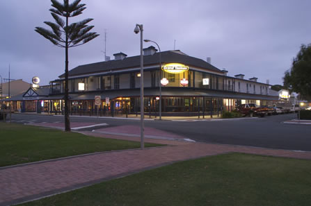 Grand Tasman Hotel - Accommodation Cairns