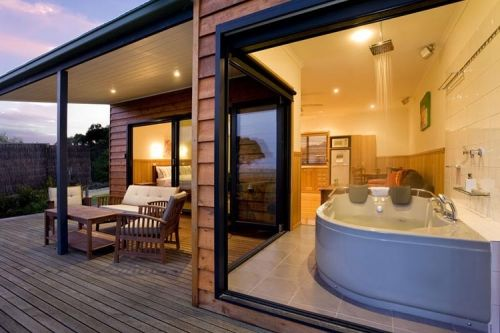 Coastal View Cabins - Accommodation Cairns