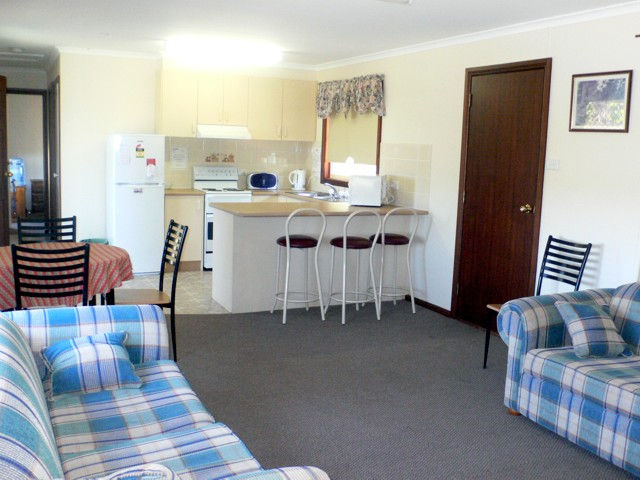 Back O' Bourke Accommodation - Accommodation Cairns