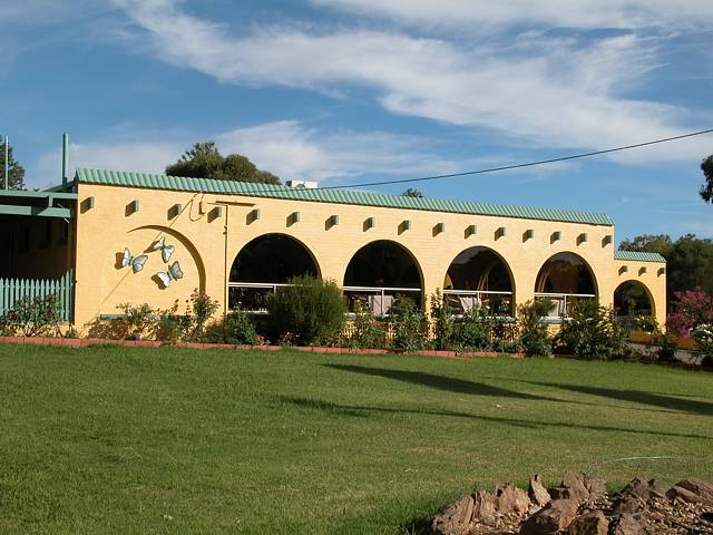 Tarcutta Halfway Motor Inn/Horse Hotel - Accommodation Cairns
