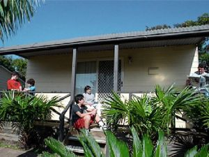 Canton Beach Waterfront Tourist Park - Accommodation Cairns