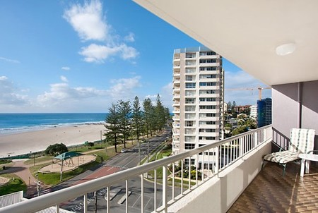 Eden Tower Holiday Apartments - Accommodation Cairns