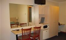 Tudor Inn Motel - Hamilton - Accommodation Cairns