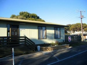 Lake Albert Caravan Park - Accommodation Cairns