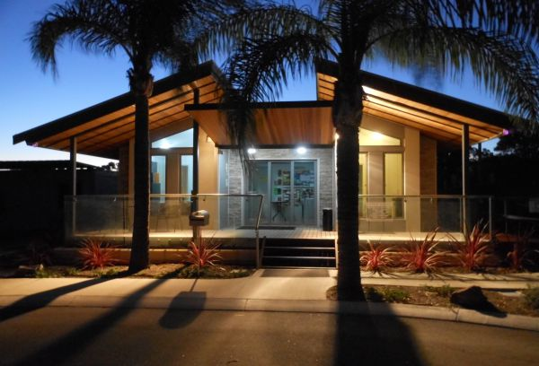 Midland Tourist Park - Accommodation Cairns