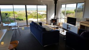 Coorong Waterfront Retreat - Accommodation Cairns