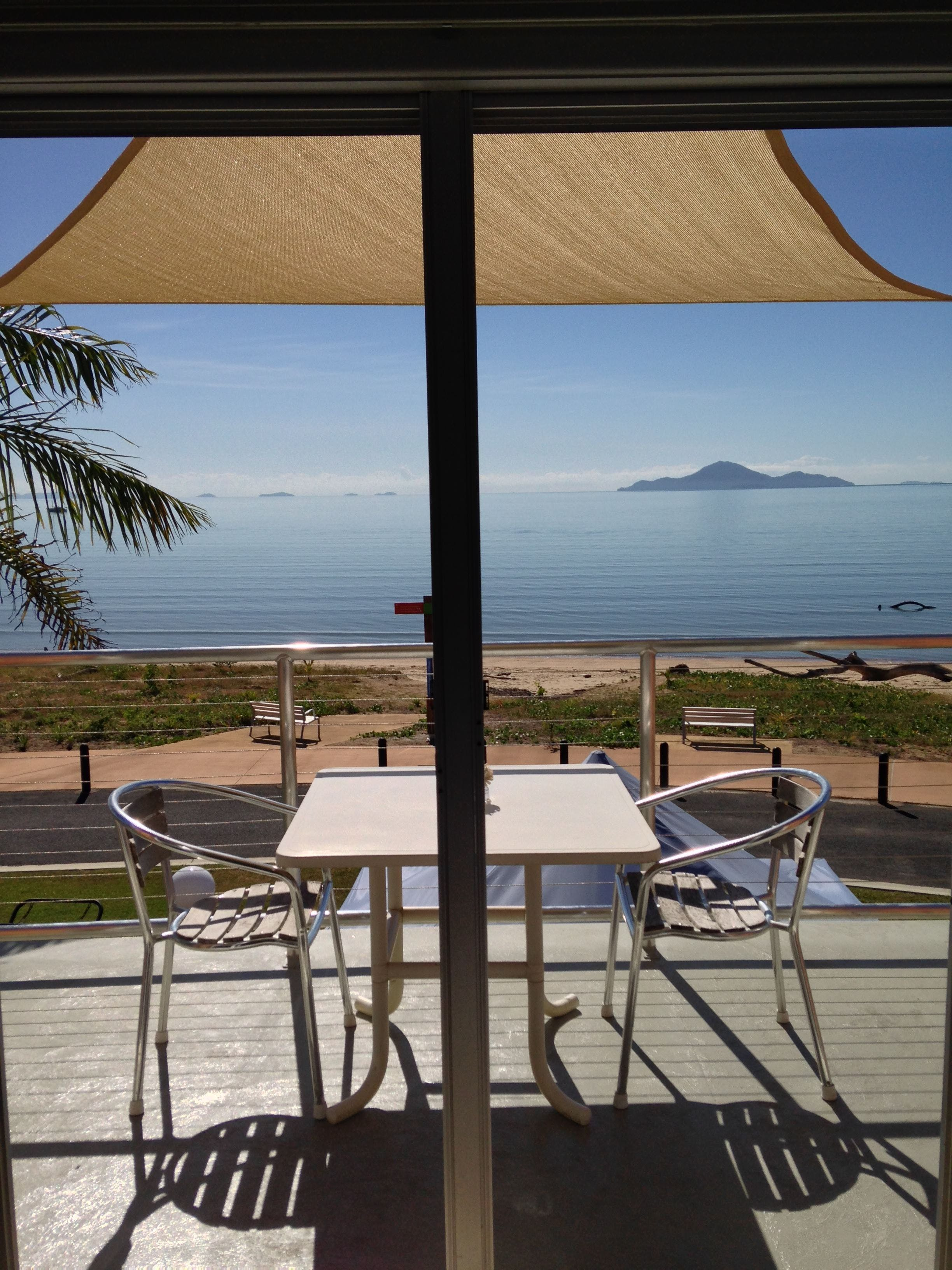Cardwell Beachfront Motel - Accommodation Cairns