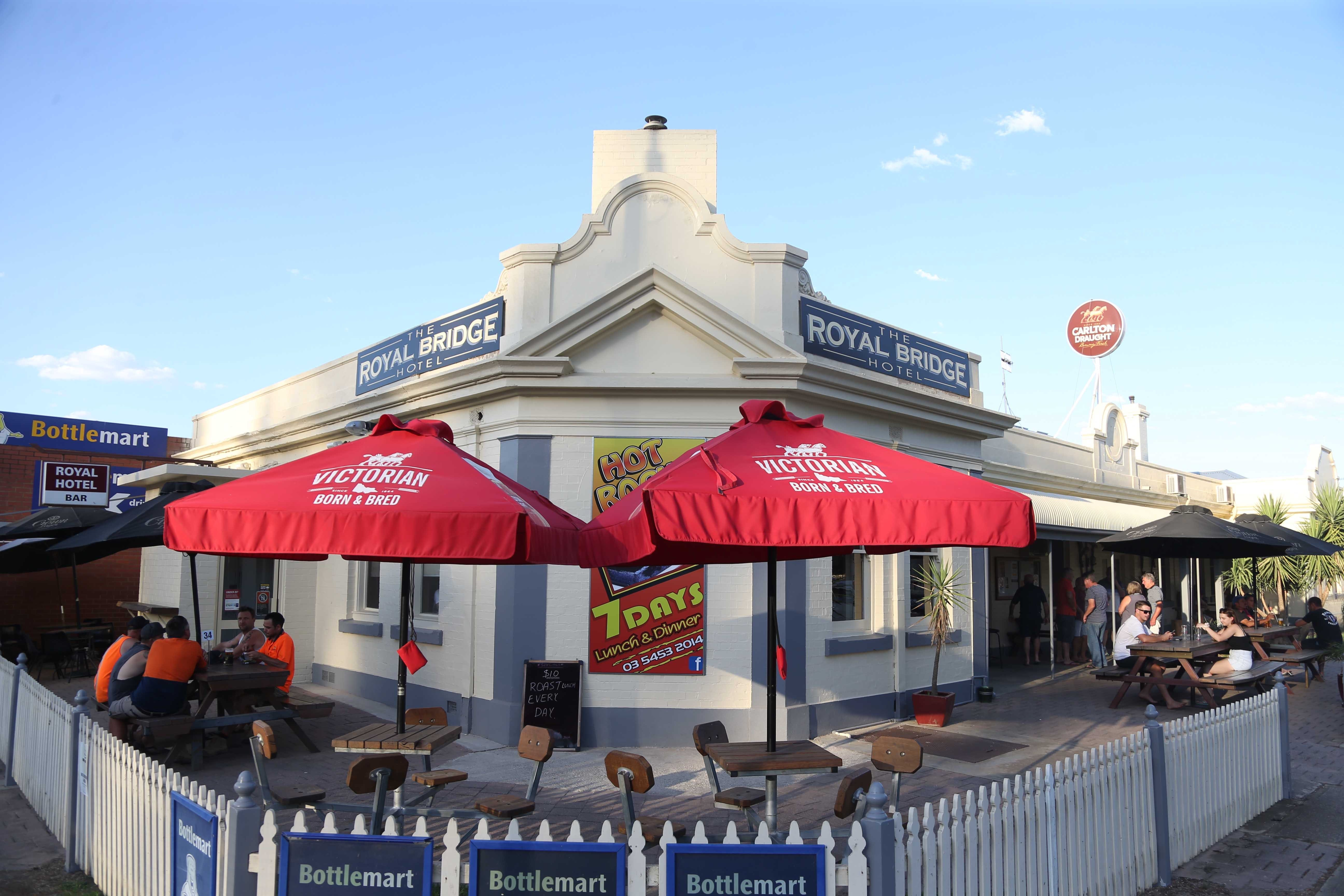 Royal Bridge Hotel Barham - Accommodation Cairns