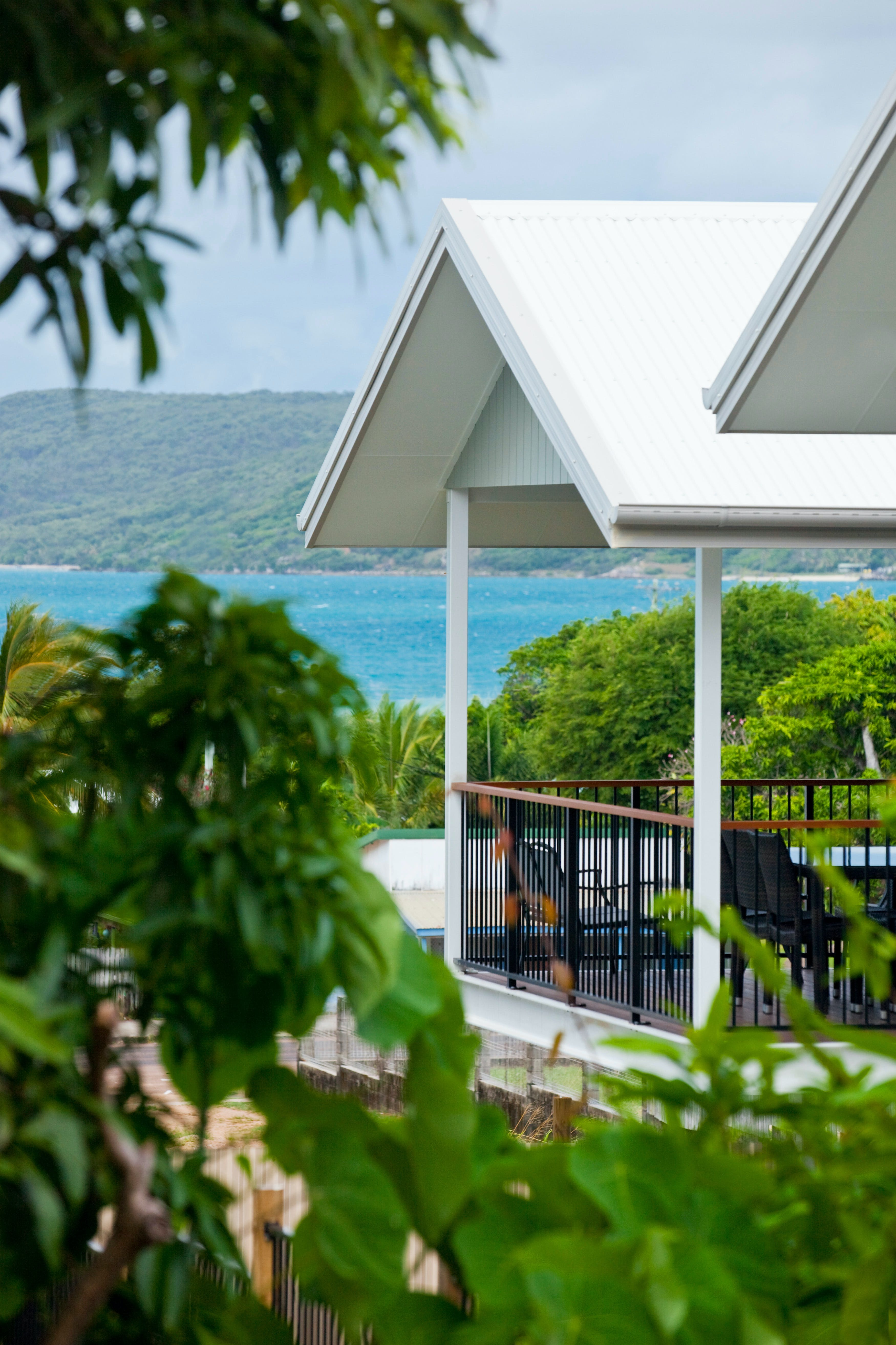 Island Villas and Apartments - Accommodation Cairns