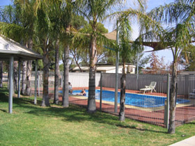 Merredin Caravan Park  Av-A-Rest Village - Accommodation Cairns