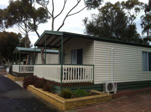 Lake Albert Caravan Park Meningie SA - Accommodation Cairns