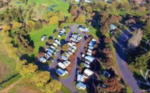 Lake Colac Caravan Park - Accommodation Cairns
