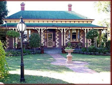 Tara House Bed and Breakfast - Accommodation Cairns