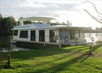 Cloud 9 Houseboats - Accommodation Cairns