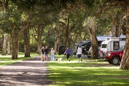 Beachfront Holiday Park - Accommodation Cairns