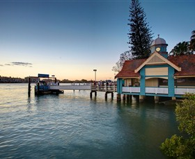 Oxford Street Bulimba - Accommodation Cairns