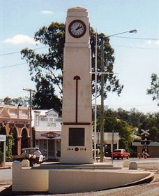 Goomeri War Memorial Clock - Accommodation Cairns