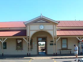 Maryborough Railway Station - Accommodation Cairns