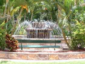 Bauer and Wiles Memorial Fountain - Accommodation Cairns