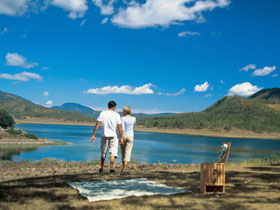 Lake Maroon - Accommodation Cairns