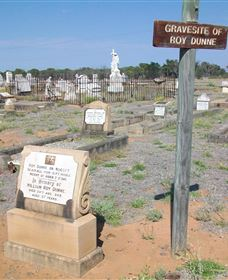 Blackall Cemetery - Accommodation Cairns