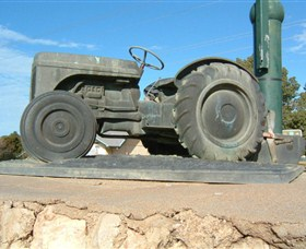Ferguson Tractor Monument - Accommodation Cairns