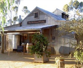 The Old School Winery and Pottery - Accommodation Cairns