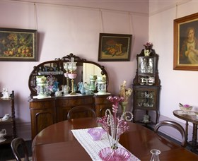 Jerilderie Historic Residence - Historic Home and Gardens - Accommodation Cairns