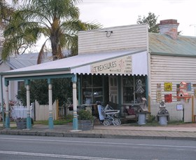Lady Gails Bookshop and Curios - Accommodation Cairns