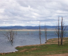 Lake Eucumbene - Accommodation Cairns