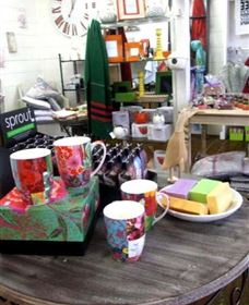 The Famous Tinonee Cafe and Gift Shop - Accommodation Cairns